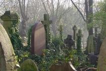 Highgate_cemetery1