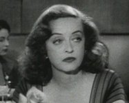 Bette_davis_in_all_about_eve_trai_6